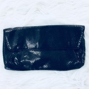 ❤️Ann Taylor Leather Large Clutch MSRP $128!